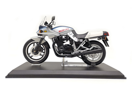 1:12 Suzuki Knife Motorcycle Blue and Silver Color