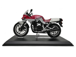 1:2 Suzuki Knife Motorcycle Red  And Silver Color