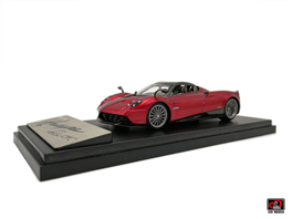 1-43 Pagani Huayra Roadster  Diecast model car - Red color